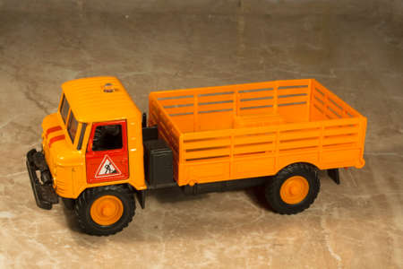 3 4 years: car truck - toy