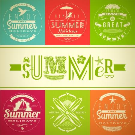 Conjunto de vacaciones de verano y días de fiesta emblemas con letras y símbolos de viaje - ilustración vectorial