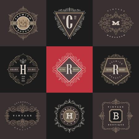 etiqueta: Conjunto de la plantilla del monograma con flourishes caligráficos elegante elementos ornamento. Diseño de identidad con la carta de cafetería, tienda, restaurante, boutique, hotel, heráldica, moda, etc