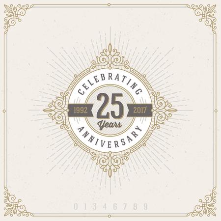 Vintage aniversario logotipo emblema con flourishes calligraphic ornamental elements.- ilustración vectorial