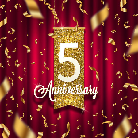 Five years anniversary golden signboard in spotlight on red curtain background and golden confetti. Vectores