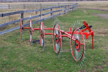 Agricultural machinery, wheel-finger rake