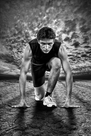 시작: 시작시 선수의 창조적 인 사진을 흑백 스톡 사진