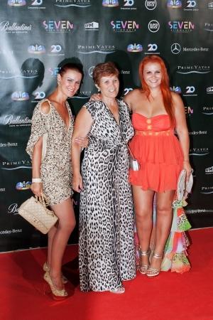 sic:  Elma Aveiro,  Dolores Aveiro, Katia Aveiro,  Family Cristiano Ronaldo, involved in the 20 year anniversary of a television channel Sic, the disco