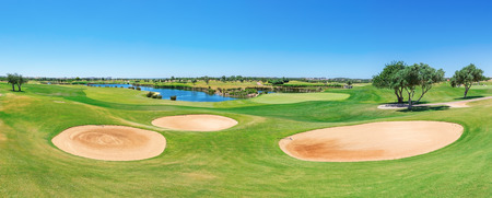 Beautiful panorama of the golf course.  Standard-Bild