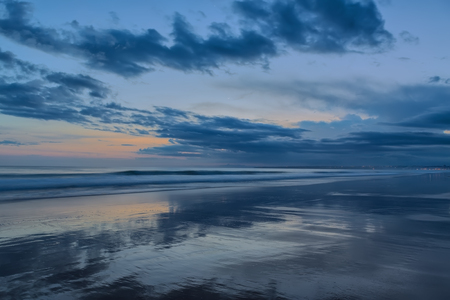 horizonte: Resumen paisaje marino al atardecer. En colores fr�os.