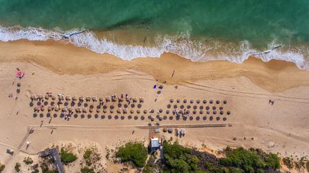 View from the sky to the Portuguese beach in the Algarve, Vale de Lobo Foto de archivo - 114176790