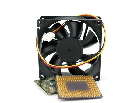 microprocesadores: Microprocesadores y ventilador  Foto de archivo