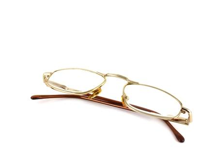 白い背景の上の眼鏡。