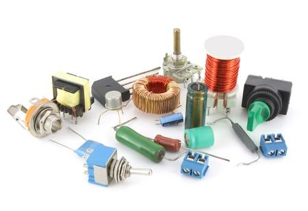 Elektronische componenten over Wit Stockfoto