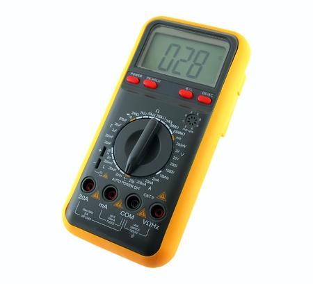 contador electrico: Mult�metro sobre blanco