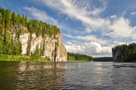 Rocks on the river Schugor in the Komi Republic. National Park Yugid-VA in the Northern Urals. Banco de Imagens