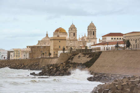 Embankment in Cadiz. View of the Spanish city on the Atlantic coast. Archivio Fotografico