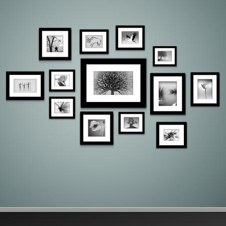 Fotoframes op muur Vector vintage fotolijstjes Stock Illustratie