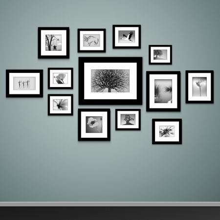 art gallery interior: Photo frames on wall  Vector vintage picture frames