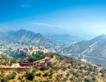 India Jaipur Amber fort in Rajasthan  Ancient indian palace architecture panoramic view 스톡 콘텐츠