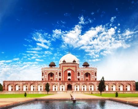 India Delhi Humayun tomb mausoleum  Indian architecture monument 스톡 콘텐츠