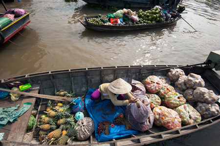 Vietnam, Mekong Delta floating market in Can Tho Stock Photo - 29488188