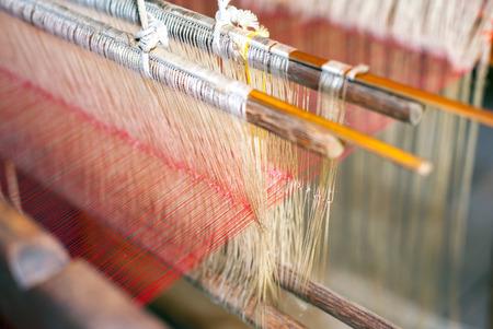 Usine de production de la soie. Fabrication traditionnelle en Asie Banque d'images - 29606562