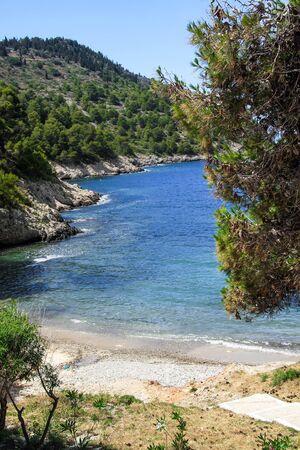 Small beach near the village of Assos. Greece, Kefalonia Foto de archivo