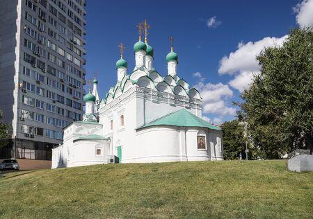 Ancient church of Simeon Stolpnik (1679) in Moscow on New Arbat. Russia Foto de archivo