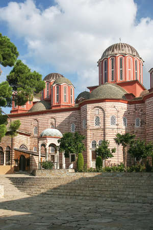 Church in the ancient monastery of Xenophon on the holy Mount Athos. Greece Foto de archivo