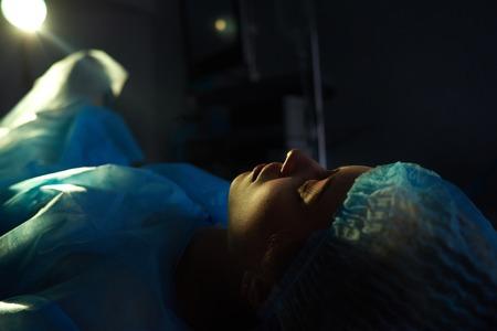 手術を受けた女性患者