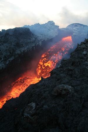 convulsión: Etna vulcan lava magma en Sicilia