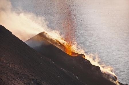 火山ストロンボリ イタリア 写真素材