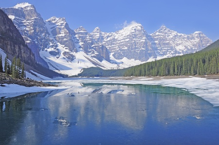 Moraine lake  Banff National park  Canada  photo