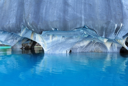 Marble caves  General Carrera lake  Chile 免版税图像 - 20333027