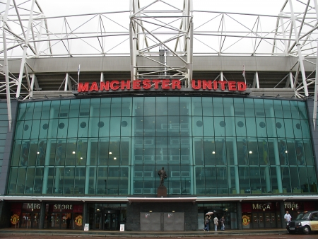 Fasade of  Old Trafford  - Manchester football club stadium on September 19, 2007 in Manchester, England                                                新闻类图片