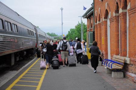 Tren De Pasajeros Toronto Nueva York Se Encuentra En La Estación De Toronto Unión El 29 De Junio De 2011 En Toronto Canadá Fotos Retratos Imágenes Y Fotografía De Archivo Libres