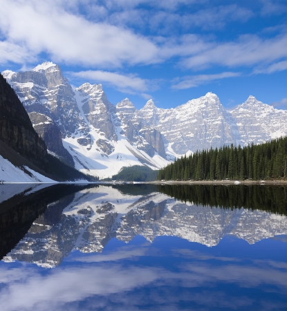 Moraine lake  Banff National park  Canadian Rockies