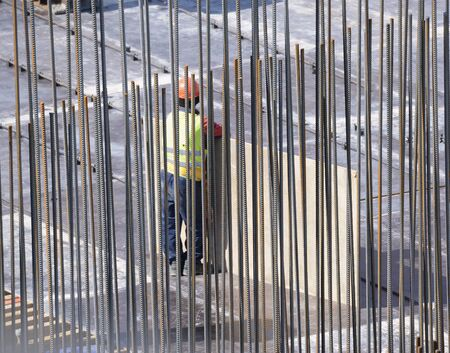 jornada de trabajo: Constructor en el comienzo de la jornada de trabajo. Foto de archivo