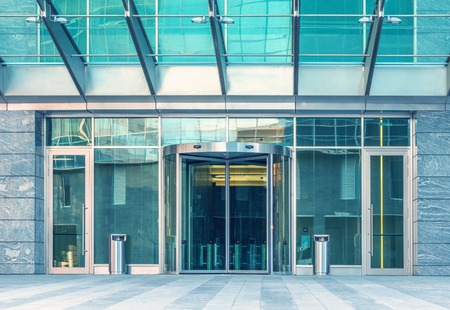 Entrance of the modern business city office building. Imagens - 51903613