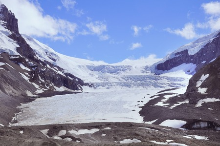 Athabasca 빙하 - Columbia Icefield의 일부. 재 스퍼 국립 공원, 알버타, 캐나다. 스톡 콘텐츠
