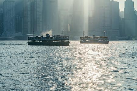 Retro passenger ships in Hong Kong harbour. 版權商用圖片