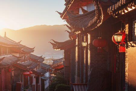 Sunrise view of the empty city street. Lijiang. China. 版權商用圖片