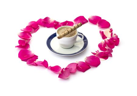 lobes: the lobes of roses which are laid out and cup of coffee, subject love