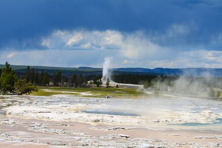 Geyser in the Upper Geyser Basin of Yellowstone National Park Stockfoto