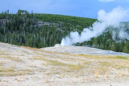 Geyser erupting in the Upper Geyser Basin of Yellowstone National Park, Wyoming Stockfoto