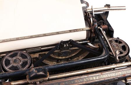 hoja en blanco: blank sheet in antique typewriter