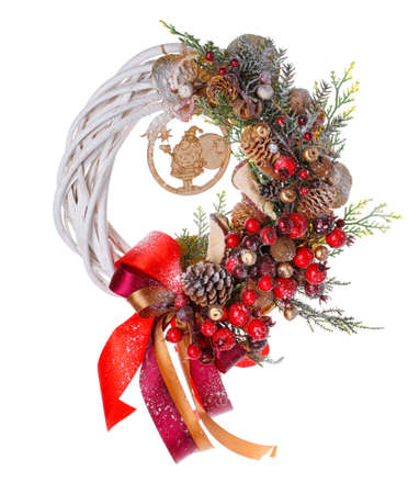 Traditional christmas wreath isolated on white background. Foto de archivo