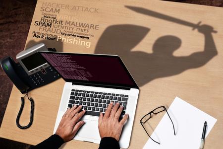 De hackers contra la seguridad del software antivirus Foto de archivo - 46968324