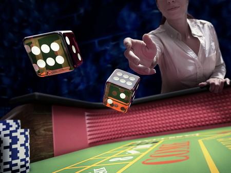 dice throw on craps casino table Banco de Imagens