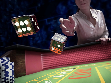 dice throw on craps casino table Banque d'images