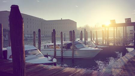 nostalgic and vintage sunset on Venetian lagoon Foto de archivo - 119447875