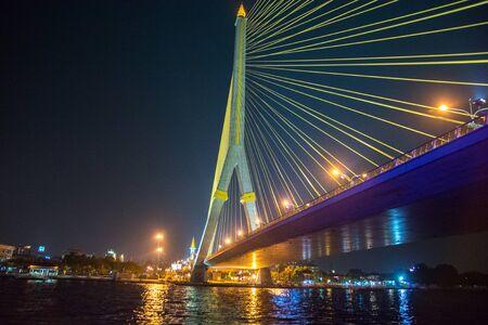 Rama VIII Bridge at night  beautiful bridge across the Chao Phraya river at dusk in Bangkok, Thailand Archivio Fotografico - 150285268