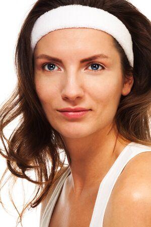 cintillos: Belleza después del entrenamiento - close-up retrato de mujer con banda para mantener el cabello largo